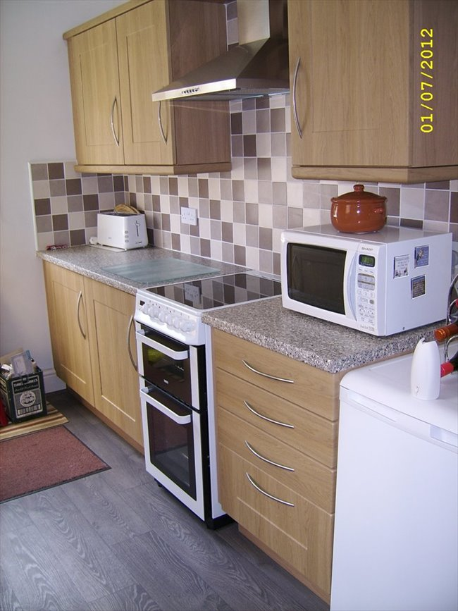 Flatshare - Barnsley - Single Room - WOMBWELL - Mon to Fri Preferred | EasyRoommate - Image 1