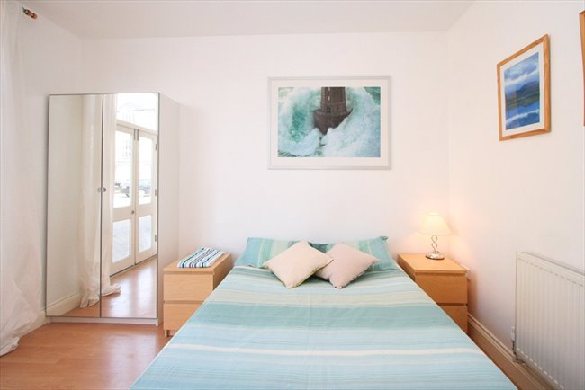 Room to rent in Rotherhithe - Large Double Room/Great Value - Image 1