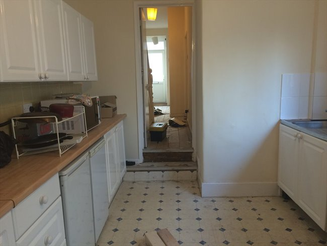 Room to rent in Horfield - Gloucester rd BS7 Double £450 pcm bills incl+furnished - Image 3