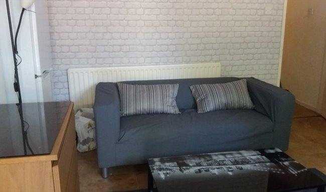 Room to rent in Wolverhampton - JULY 17 - Lovely 4 Bedroom House to Rent - Image 3