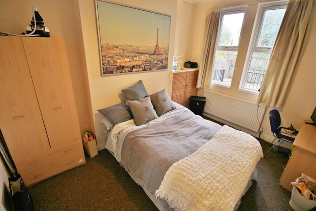Room to rent in Headingley - Fantastic professional house share in Headingley £395pcm including bills - Image 2
