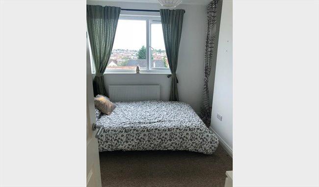 Room to rent in Fishponds - Brand New En Suites in Staple Hill - Image 1