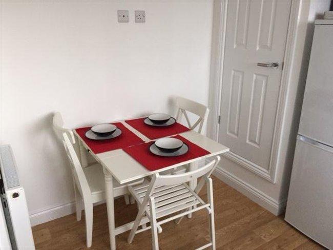 Room to rent in Fishponds - Brand New En Suites in Staple Hill - Image 2