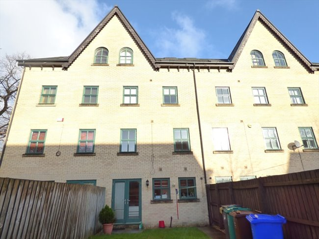 Room to rent in Longsight - Stunning 4 Storey, 8 Bedroom Student Property  - Image 3