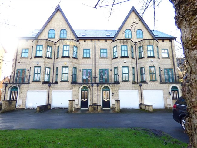 Room to rent in Longsight - Stunning 4 Storey, 8 Bedroom Student Property  - Image 6