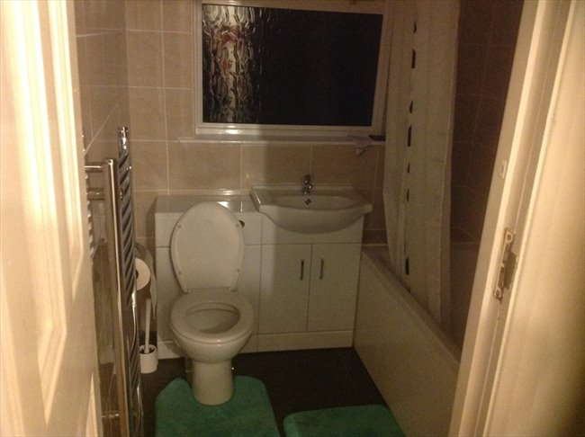 Room to rent in Norbury - Double room in House Share Zone 3 - Image 2