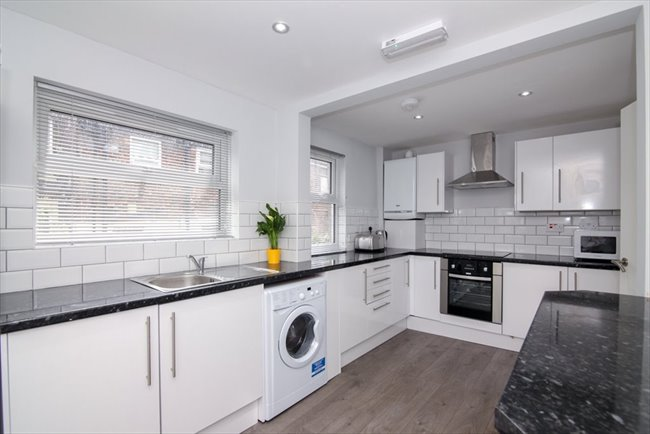 Room to rent in Fairfield - Double Ensuite Rooms - Newly Refurbished! - Image 5
