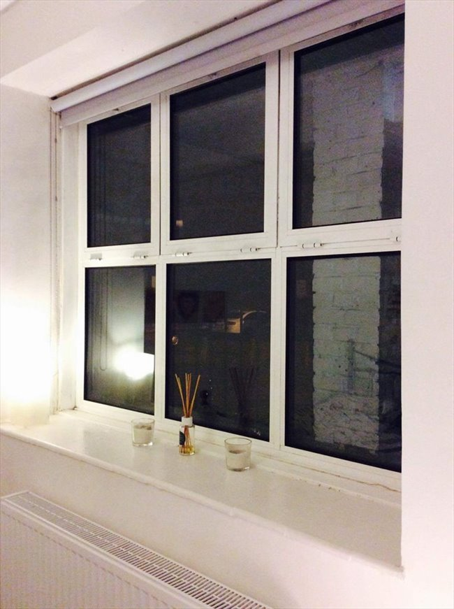 Room to rent in Poplar - Newly refurbished flat near Canary Wharf  - Image 2