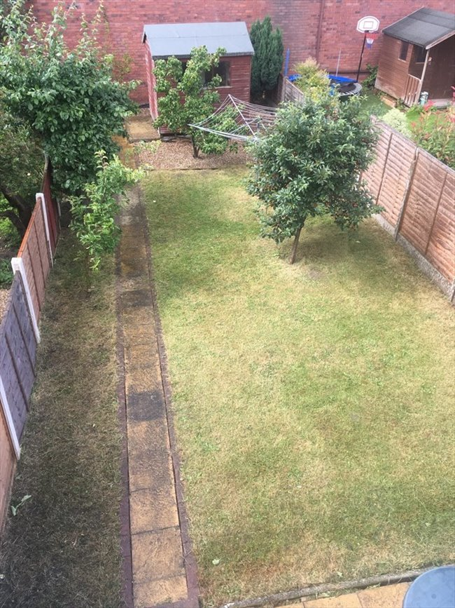 Room to rent in Tooting - 2 Double Rooms Available near Mitcham Eastfield  - Image 5