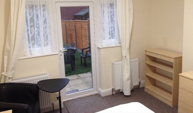 Room to rent in Tooting - 2 Double Rooms Available near Mitcham Eastfield  - Image 6
