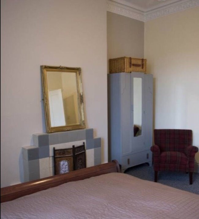 Room to rent in Gateshead - Large room in very large friendly houseshare - Image 2
