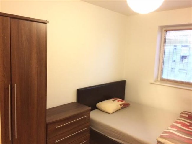 Room to rent in Netherthorpe - Modern double room with large personal bathroom available from May    - Image 1