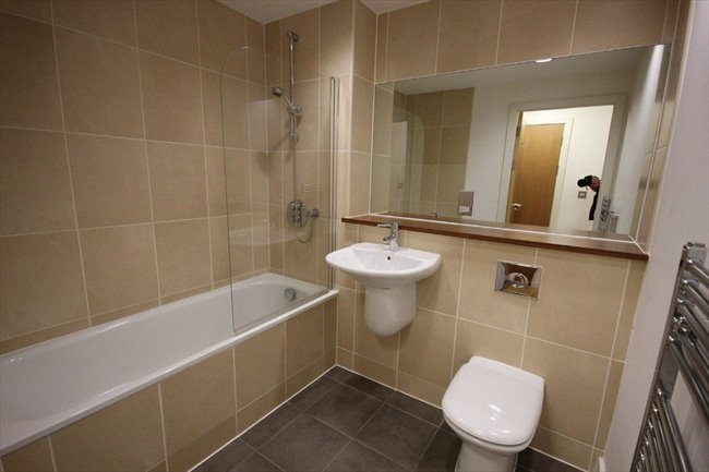 Room to rent in Netherthorpe - Modern double room with large personal bathroom available from May    - Image 2