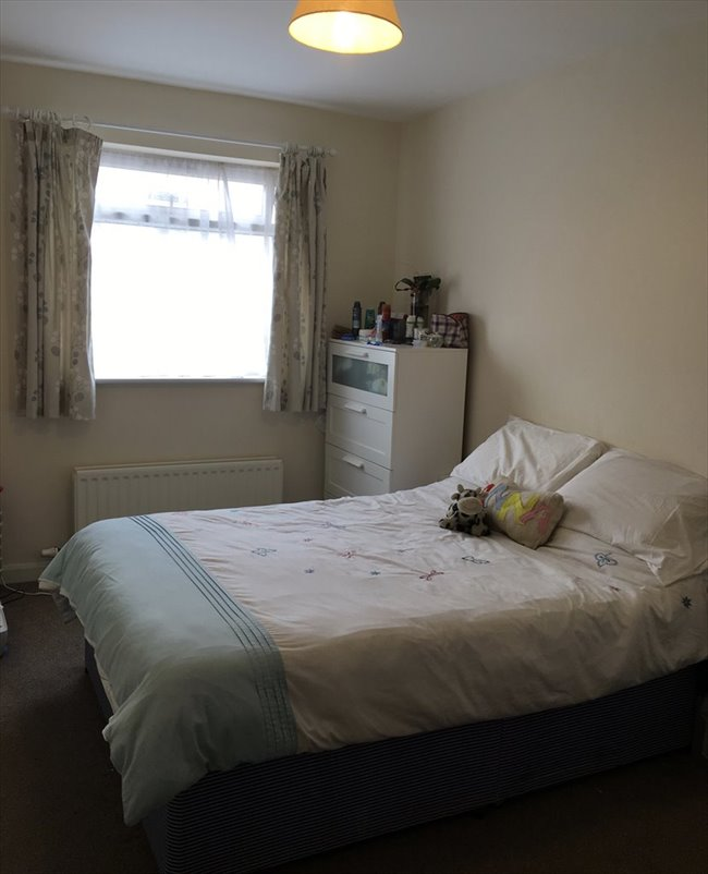 Room to rent in Stapleton - Lovely double room available immediately - Image 1