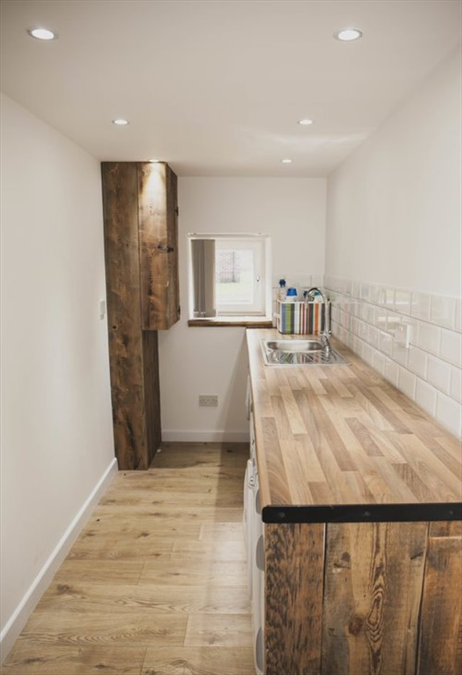 Room to rent in Fallowfield - Double Bedroom in Large Four-Story, Modern Detached House - Image 4
