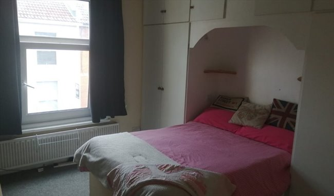 DOUBLE ROOM with private loft annexe, Portsmouth - Southsea - Image 1