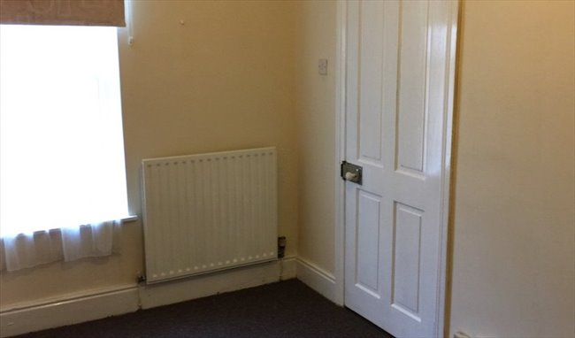 PROFESIONAL HOUSE SHARE - Yardley - Image 4