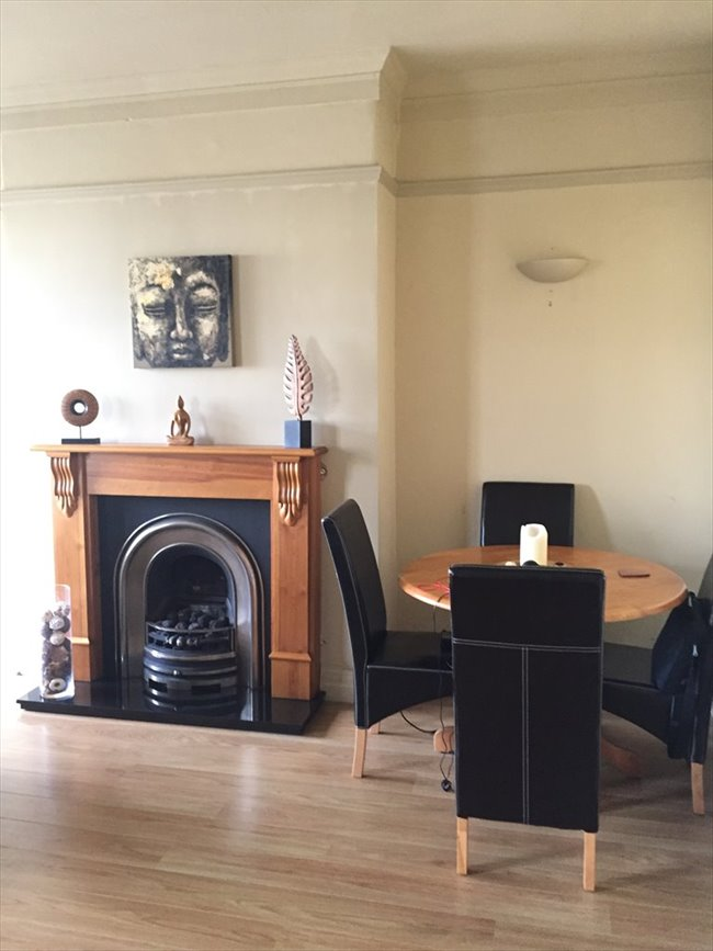 One bedroom available in large 2 bedroom flat south side of Harrogate - Harrogate - Image 3