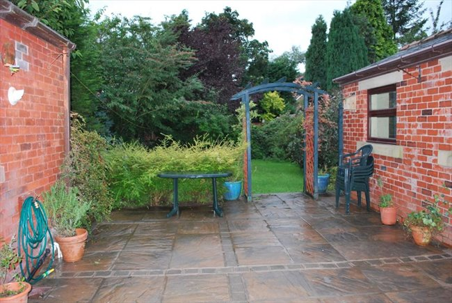 Double room in a large character property - Penwortham - Image 3