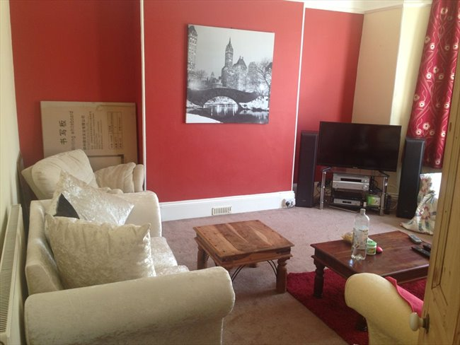 Single  room in young professionals house. - St Judes - Image 3