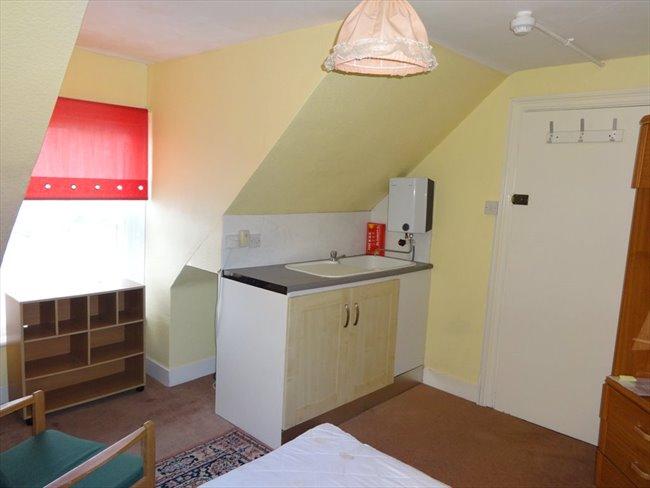 Rooms to rent - Folkestone - Image 5