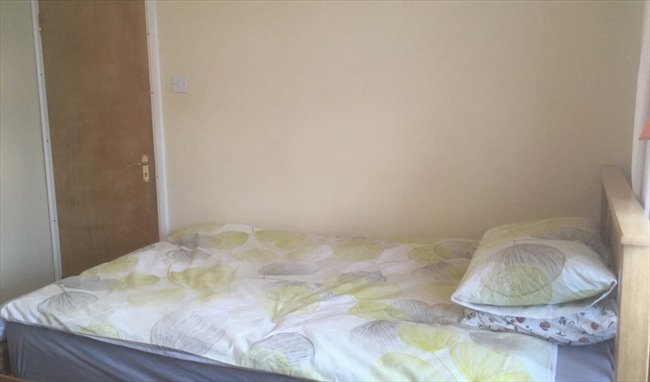 Double Room in Greenford to rent to student/prof. - West Ealing, West London - Image 4