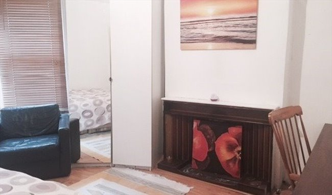 Flatshare - London - Lovely,Clean Room available in Greenwich Area -This room now taken! | EasyRoommate - Image 2