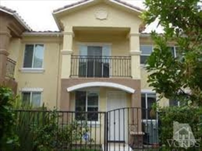 Room for rent in Thousand Oaks - Share a Beautiful, New, 4-Bdr. Townhome - Image 1