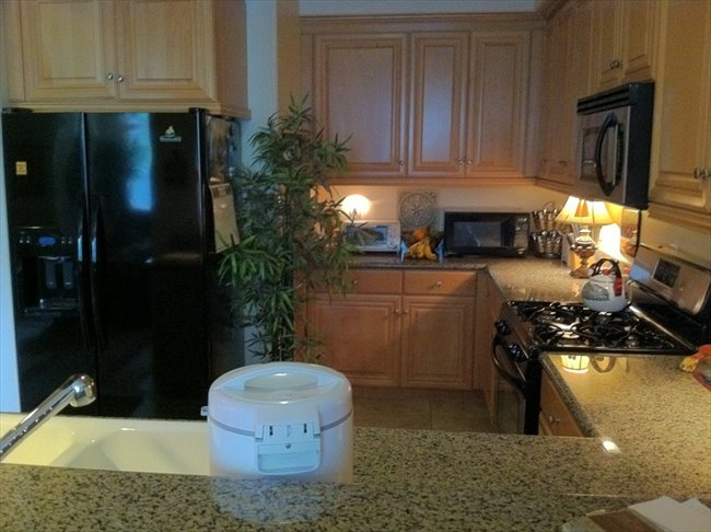 Room for rent in Thousand Oaks - Share a Beautiful, New, 4-Bdr. Townhome - Image 2