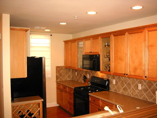 Room for rent in Roswell - Furnished Luxury Condo w/ Garage - Image 2