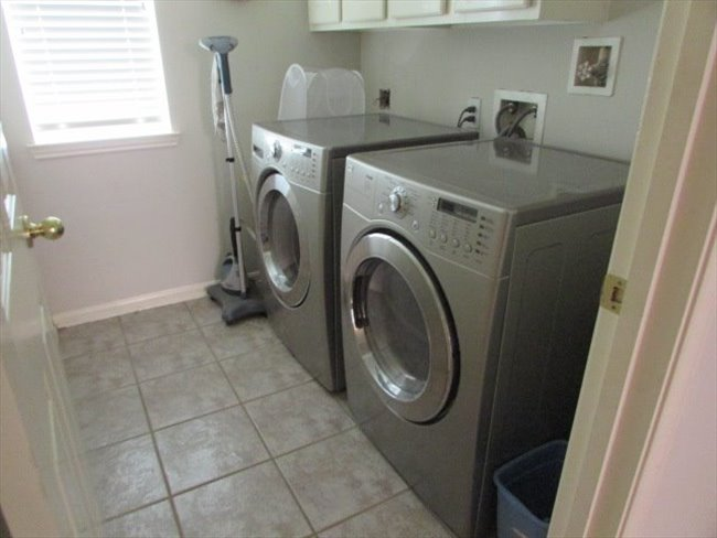 Room for rent in Jersey Village - TWO MALE OR FEMALE PROFESSIONALS - Image 5