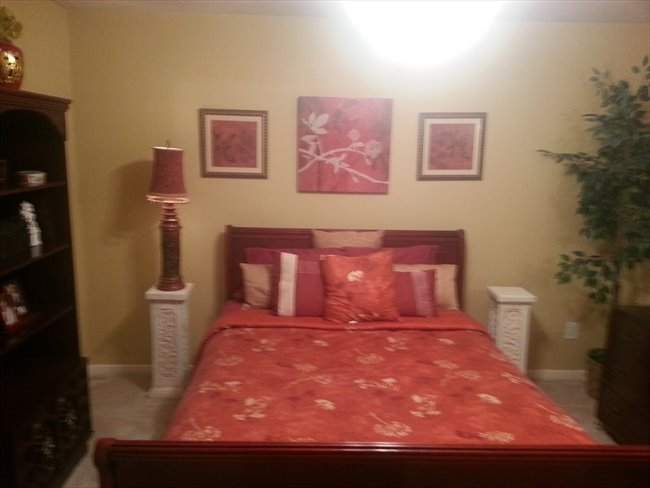 Room for rent in Spring - large furnished upstairs bedroom in gated subdivision - Image 2
