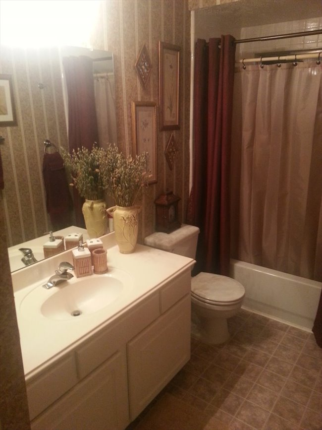 Room for rent in Spring - large furnished upstairs bedroom in gated subdivision - Image 3
