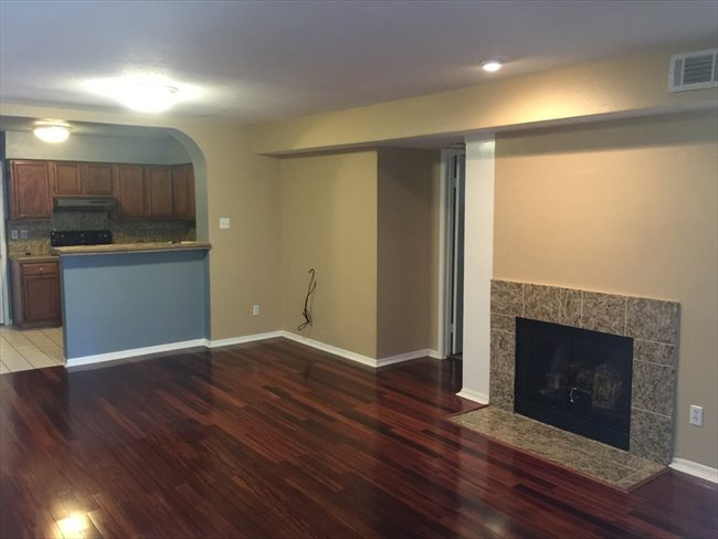 Room for rent in Texas Medical Center - 2 Bedroom - 2 Bathroom - Apartment To Share With Female Student - Image 1