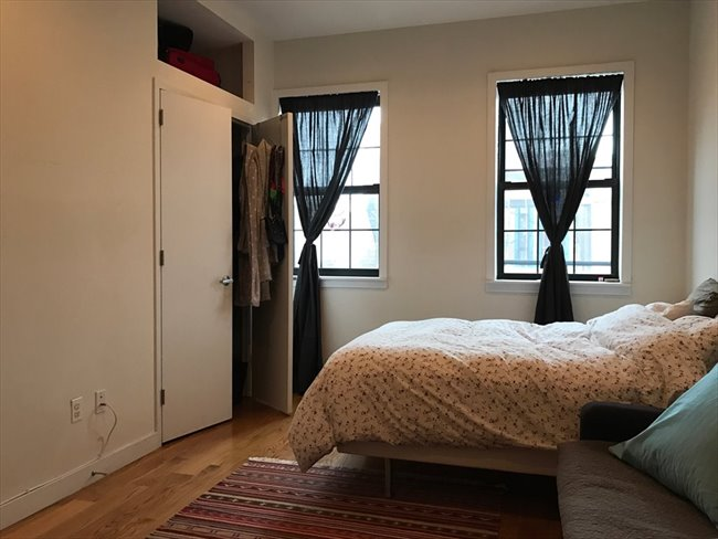 Roomshare - Williamsburg - Large bedroom in duplex, Prime Williamsburg /private entrance  | EasyRoommate - Image 1