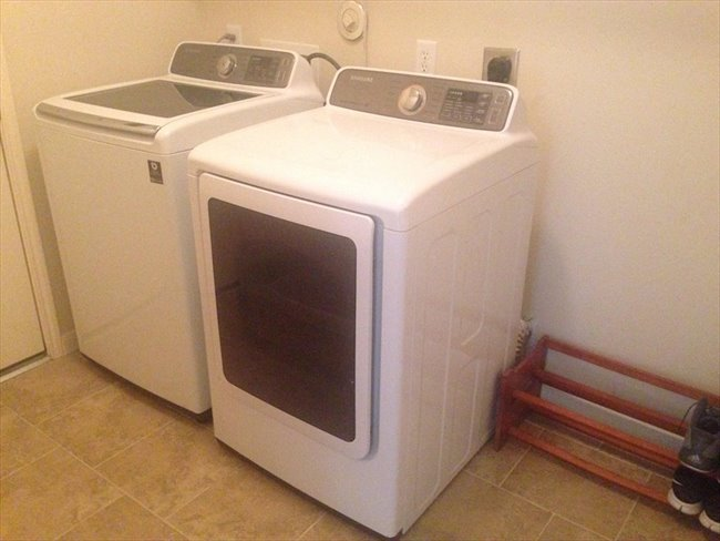 Room for rent in Carverdale - Rooms available in new house near Fairbanks and 290 - Image 2