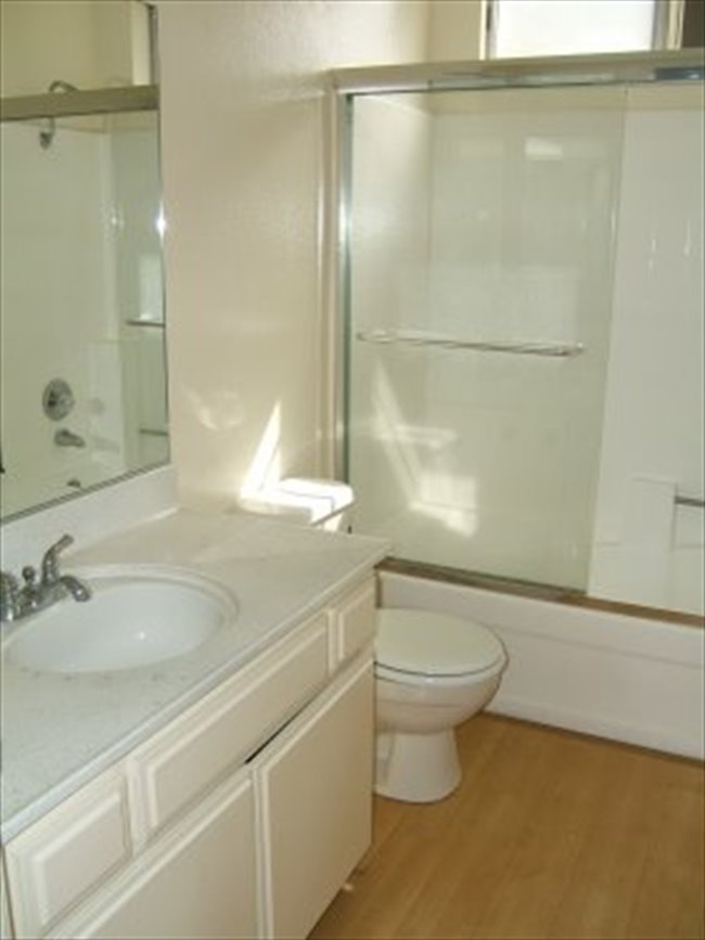 Roomshare - Castle Heights - Available room for rent in a 2/2 in Culver City  | EasyRoommate - Image 3
