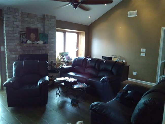 Room for rent in Addicks - Seeking Mature Female to Rent a Room - Image 2