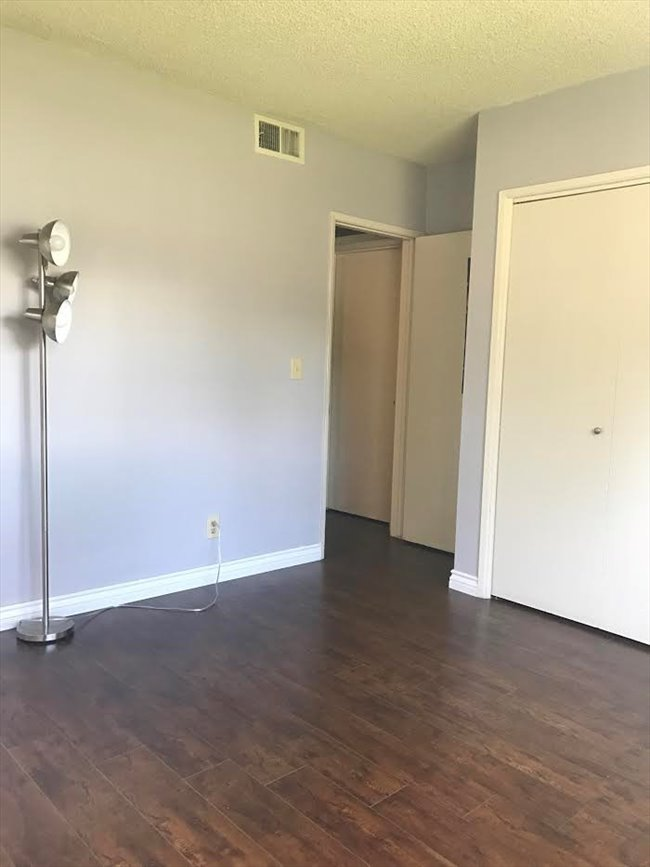 Room For Rent In Highland Park Room For Rent With Private Bathroom