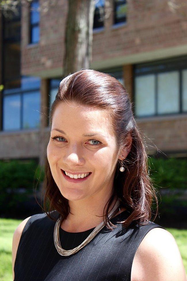 Laura Student Female Washington Dc