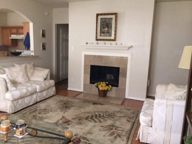 Nice furnished bedroom in a nice 3/2/2 house in real nice area in Grand Mission/West Park tollway - Mission Bend, West / SW Houston - Image 2