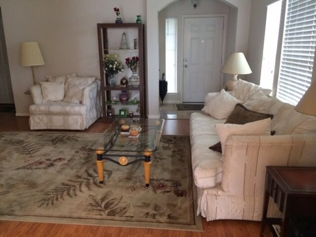 Nice furnished bedroom in a nice 3/2/2 house in real nice area in Grand Mission/West Park tollway - Mission Bend, West / SW Houston - Image 3