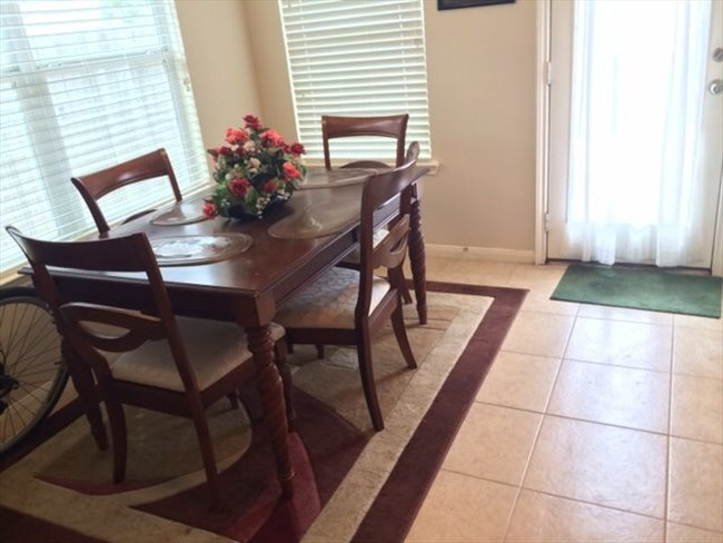 Nice furnished bedroom in a nice 3/2/2 house in real nice area in Grand Mission/West Park tollway - Mission Bend, West / SW Houston - Image 4