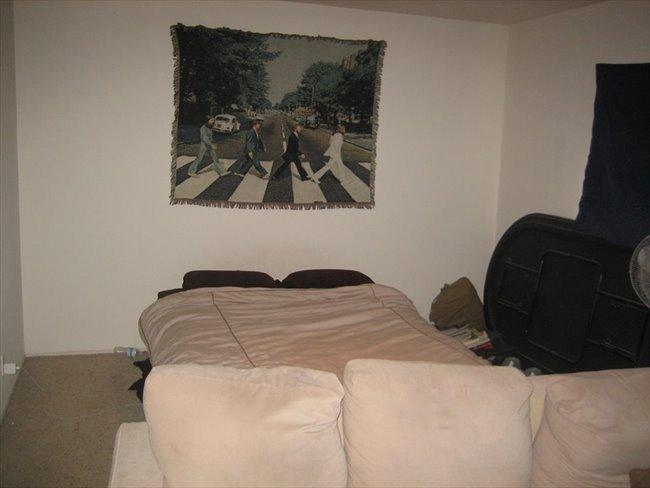 Huge Master Bedroom with Private Bathroom 4 Female - Del Cerro, Central Inland - Image 2