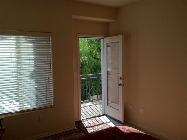 Share a Beautiful, New, 4-Bdr. Townhome - Thousand Oaks - Image 3