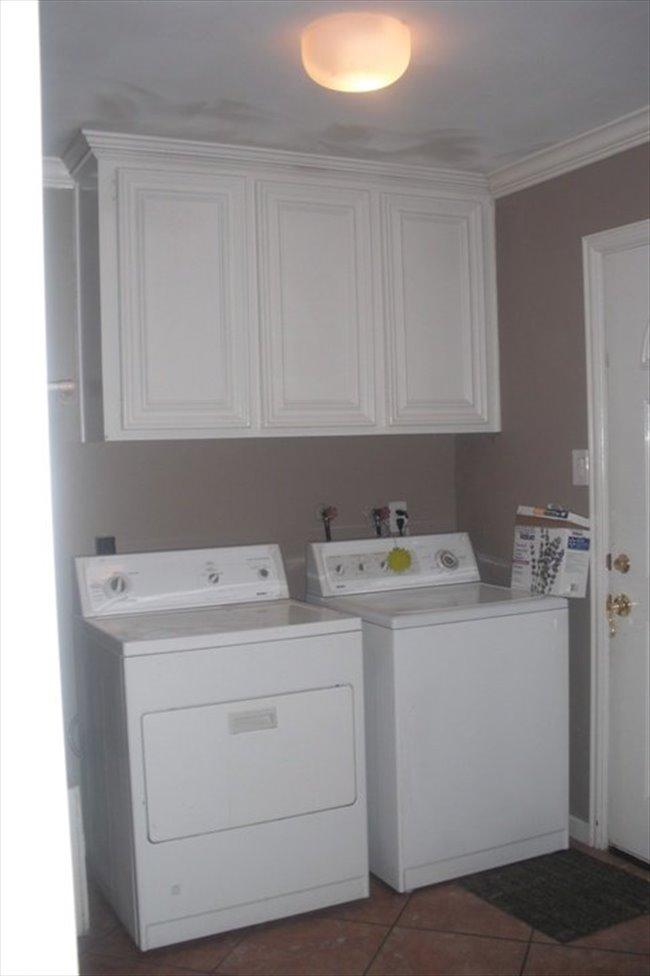 Roomshare - Houston - Room for rent | EasyRoommate - Image 3