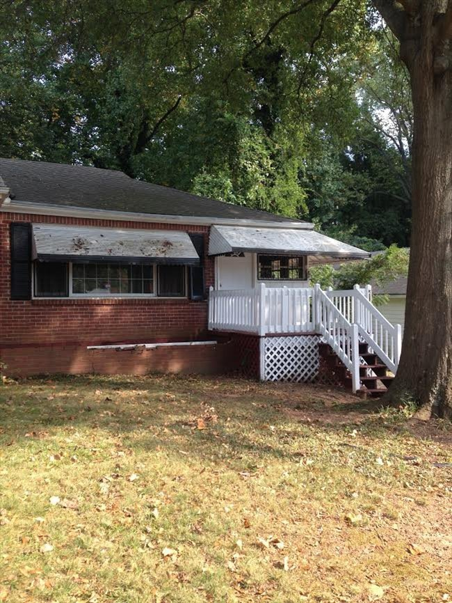 ROOM FOR RENT ON MARTA CLOSE TO AIRPORT