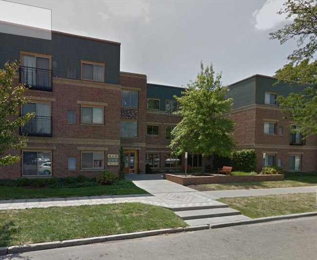 Manhattan ks 1br 1 ba condo aggieville granite for One bedroom apartments manhattan ks
