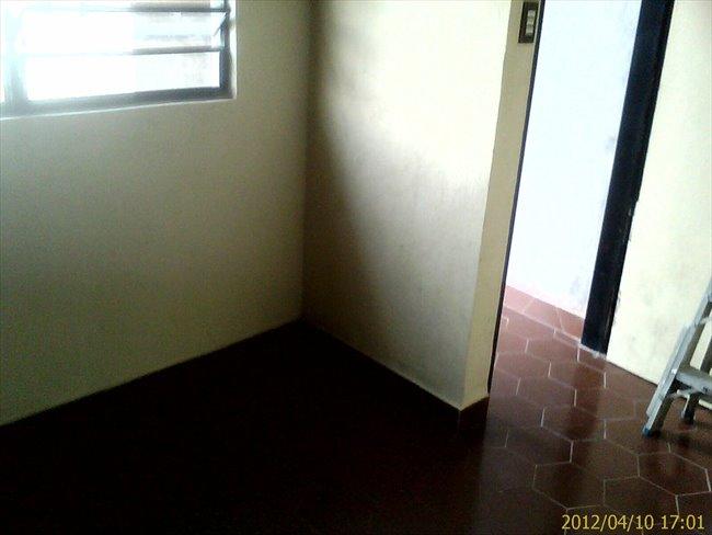 Habitacion en alquiler en Caracas -  HABITACION CON ENTRADA INDEPENDIENTE Y BAÑO 18 MT | CompartoApto - Image 5
