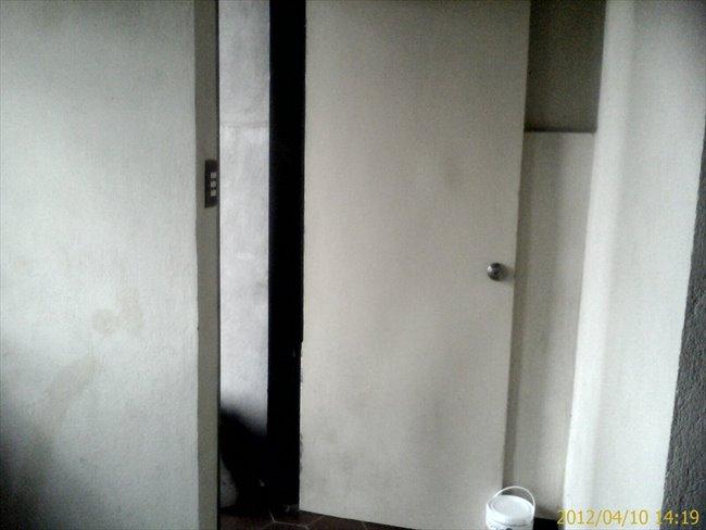 Habitacion en alquiler en Caracas -  HABITACION CON ENTRADA INDEPENDIENTE Y BAÑO 18 MT | CompartoApto - Image 6